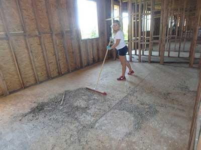 4--June-2015---cleaning-the-first-and-attic-floor-for-fireproofing-with-Lexie-(1)